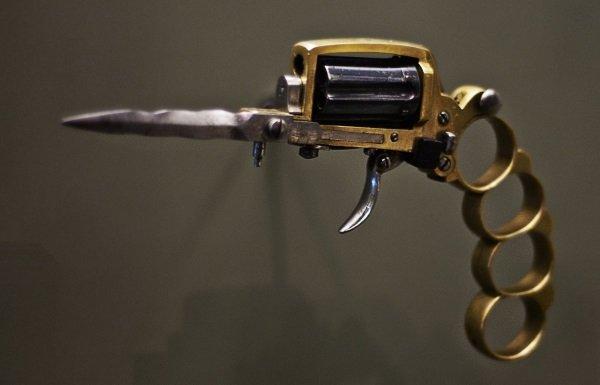 1-apache-pistol