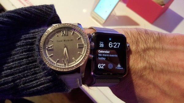 493295-isaac-mizrahi-smartwatch