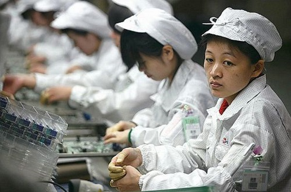 500x_500x_foxconn-workers