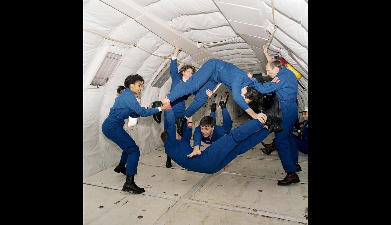 601194mainkc135-microgravity-training