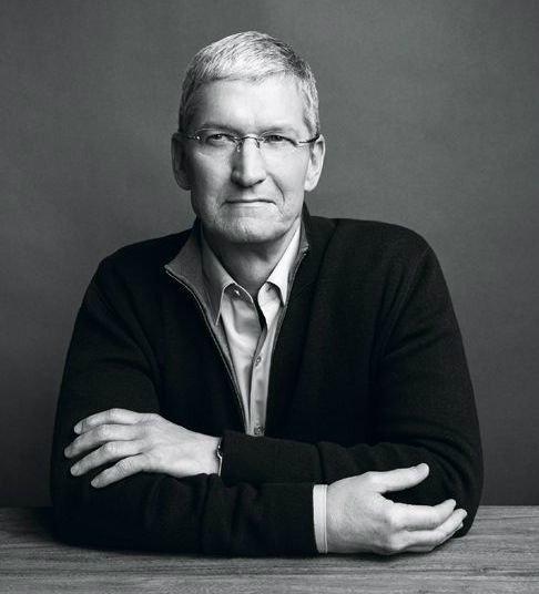 ارزش اپل امروز ۵۲۳ میلیارد دلار برآورد می شود و کوک هم ثروت خالصی برابر با ۴۰۰ میلیون دلار دارد. در مارس ۲۰۱۵ تیم کوک اعلام کرد که پس از مرگ اش، همه ثروت او به خیریه تعلق خواهد گرفت.