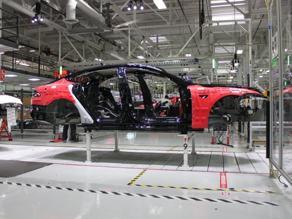 looking-forward-tesla-has-big-plans-to-produce-its-first-mass-market-car-called-the-model-3-by-2017
