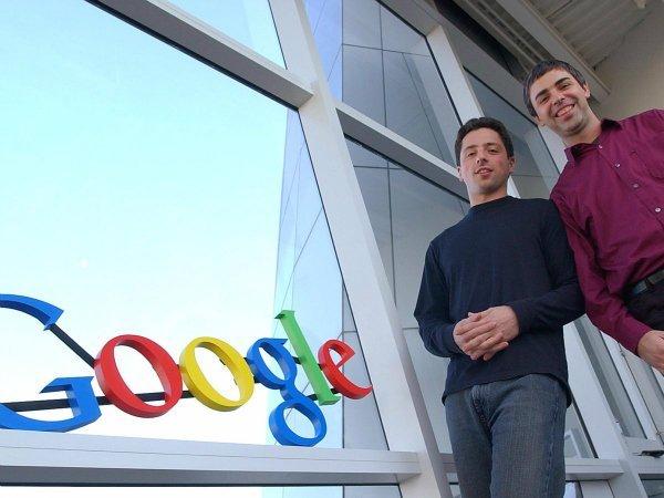 دیگران می گویند که میر در کالج آدم چندان اجتماعی نبود و وقتی درسش تمام شد 12 پیشنهاد کاری داشت که آخرینشان از سمت گوگل بود؛ استارتاپ کوچکی که در آن دوران تازه تاسیس شده بود.