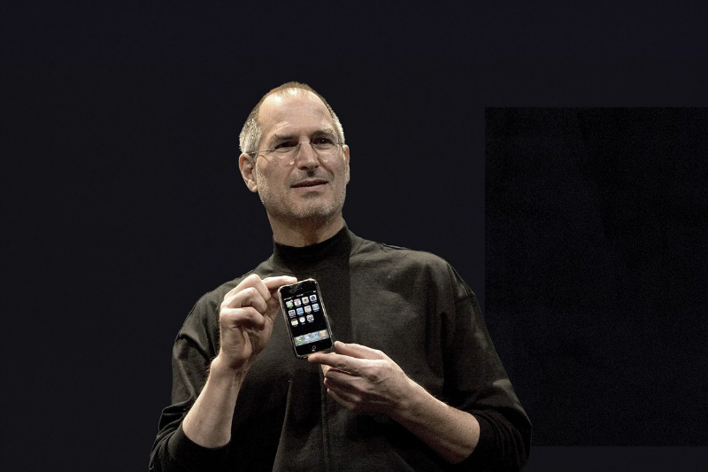 steve jobs original iphone-w800