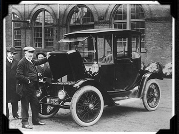 the-electric-cars-first-heyday-was-in-the-late-1800s-and-early-1900s