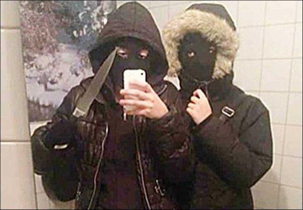 دو دختر خانمی که در تصویر می بینید پیش از دستبرد زدن به یک رستوران در سوئد این سلفی را گرفتند. پلیس در ادامه آنها را ردیابی کرده و در خانه مادربزرگ یکی از آنها دستگیر کرد.
