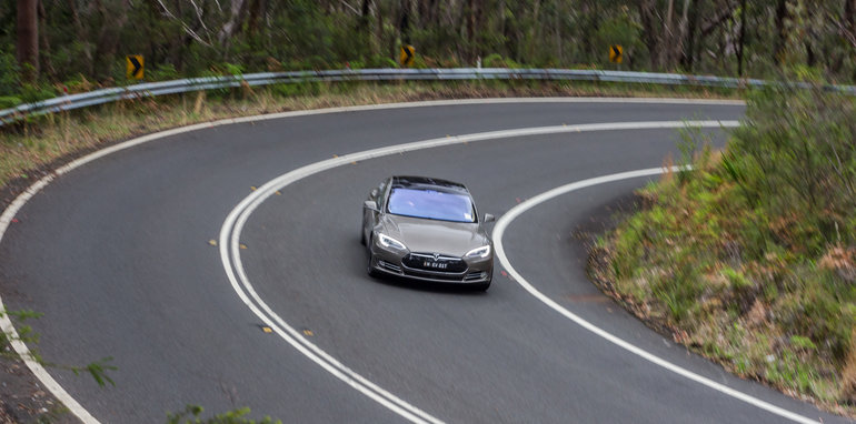 2015-Tesla-Model-S-P85D-v-2015-Audi-RS7-105