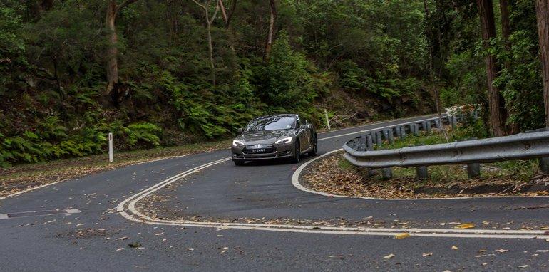 2015-Tesla-Model-S-P85D-v-2015-Audi-RS7-114