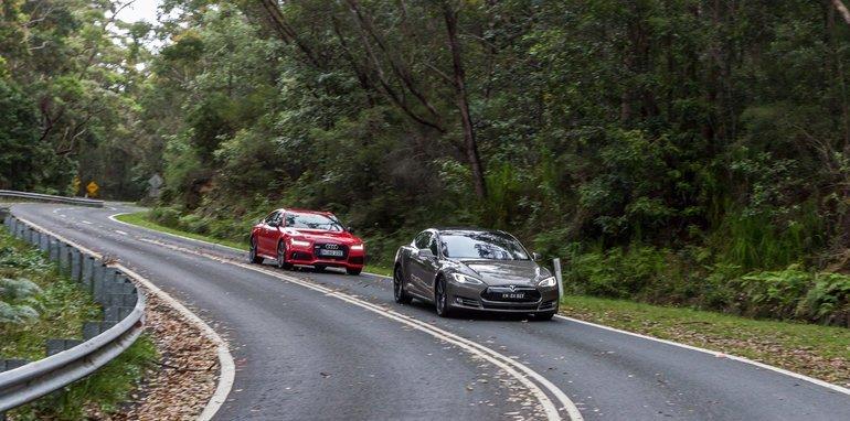 2015-Tesla-Model-S-P85D-v-2015-Audi-RS7-115