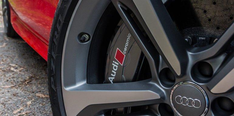 2015-Tesla-Model-S-P85D-v-2015-Audi-RS7-13