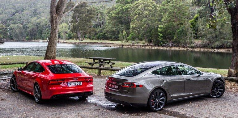 2015-Tesla-Model-S-P85D-v-2015-Audi-RS7-22