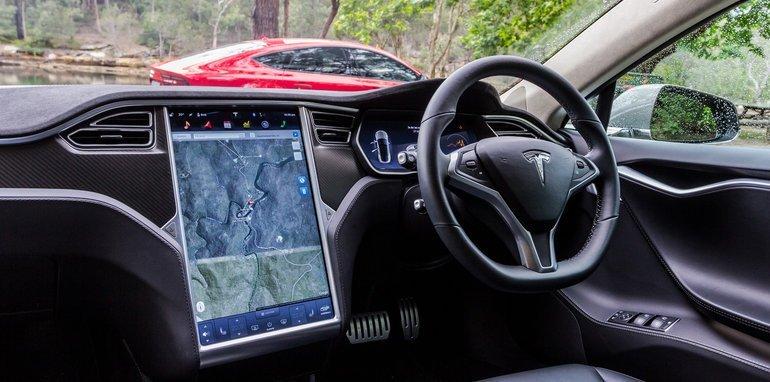 2015-Tesla-Model-S-P85D-v-2015-Audi-RS7-71