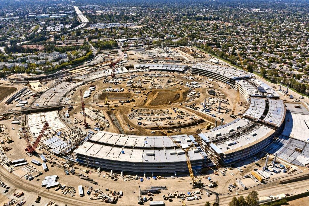 مقر جدید اپل که در کوپرتینوی کالیفرنیا در حال ساخته شدن است.