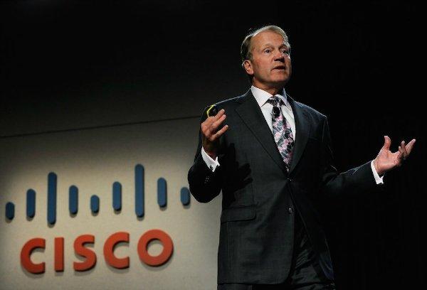 همین اعلام ورشکستگی ها، شوک های زیادی به همین صنعت وارد کرد. ارزش سهام شرکت های سازمانی و اصیل همچونCisco یاSun Microsystems نزدیک به صفر رسید چرا که آنها ظرفیت های خود را بالاتر برده بودند تا بتوانند نیاز شرکت و استارتاپ های مختلف و نو رسیده را پاسخگو باشند. حال همه این شرکت ها از میان رفته بودند و سیسکو مانده بود و مشتری هایی که دیگر وجود نداشتند. ارزش همین شرکت تا ۸۶ درصد در بازار بورس افت کرد. از سوی دیگر Sun Microsystems که ارزش اش در آن زمان تا ۲۰۰ میلیارد دلار برآورد می شد، با کاهش ارزش سهام تا ۹۸ درصد رو به رو شد. شرکت مورد بحث در نهایت نتوانست از آن اوضاع به شکل صحیحی خارج شود و عاقبت اوراکل با پرداخت ۷.۴ میلیارد دلار آن را در سال ۲۰۰۹ خرید.