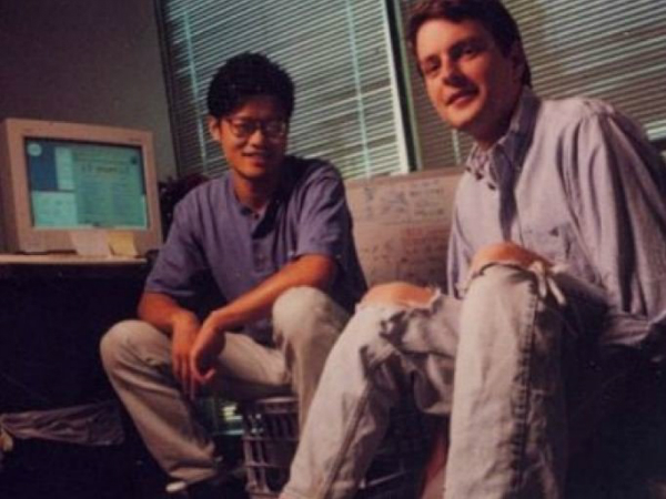 «جری و دیوید» از راه رسیدند و «یاهو» را در وب جهان گستر راه اندازی کردند.