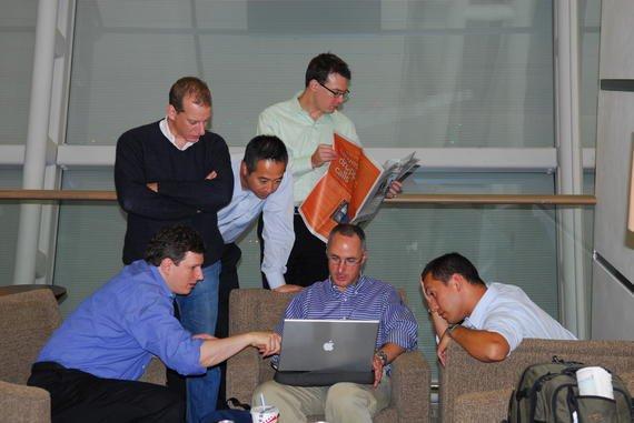 تیم توسعه اندروید در سالن انتظار فرودگاه، سال ۲۰۰۶