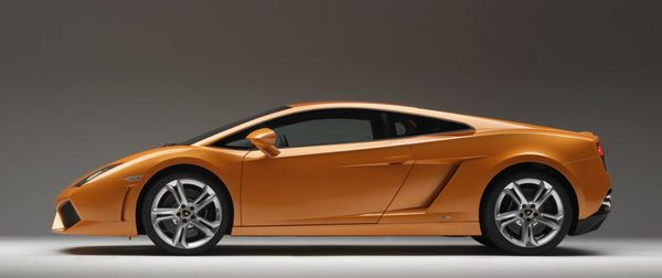 the-gallardo-named-after-a-historic-breed-of-bulls-is-powered-by-a-v10-engine-instead-of-a-v12