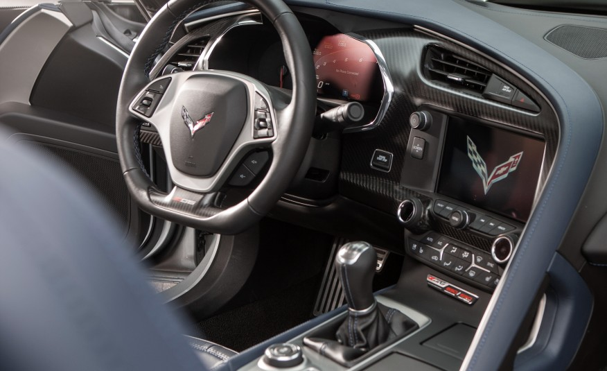 2015-Chevrolet-Corvette-Z06-convertible-115-876x535