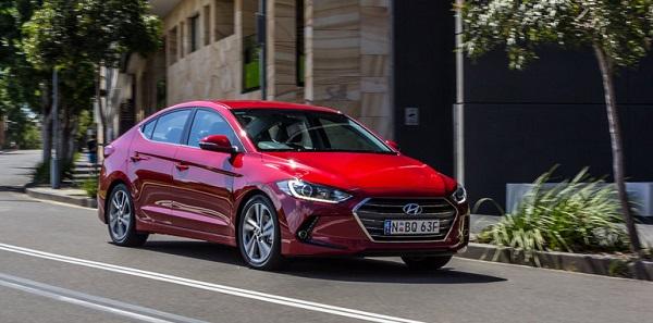 2016-Mazda-3-Touring-Sedan-v-2016-Hyundai-Elantra-Elite-117