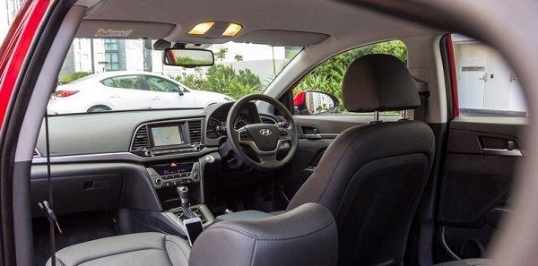 2016-Mazda-3-Touring-Sedan-v-2016-Hyundai-Elantra-Elite-46