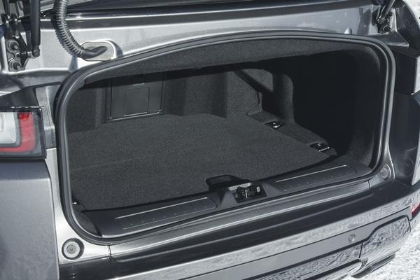 2017-Land-Rover-Range-Rover-Evoque-Convertible-trunk-02