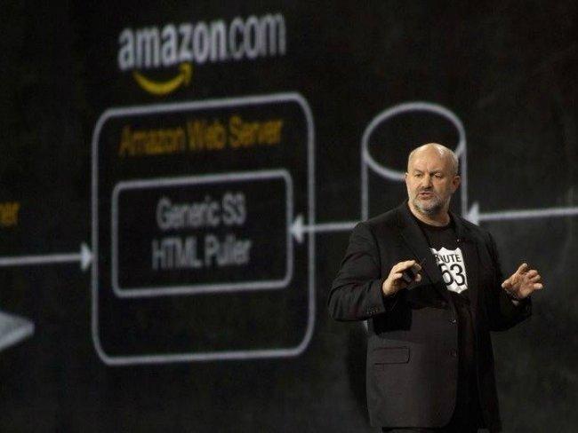 آمازون در حقیقت کسب و کارهای بسیار دیگری را اداره می کند و اکنون شاید بتوان گفت بالاترین رشد درآمدهایش، دیگر مرتبط باخرده فروشی آنلاین نیست. پلتفرم ابری این شرکت به نام «سرویس های تحت وب آمازون - Amazon Web Services»، سال گذشته درآمدی بالغ بر ۸ میلیارد دلاربه ارمغان آورد.