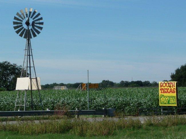 از سن ۴ الی ۱۶ سالگی، جف در مزرعه پدر بزرگ خود در تگزاس زندگی کرد، جایی که کارهای اولیه مزرعه داری و تعمیر آسیب های بادی را فرا گرفت.