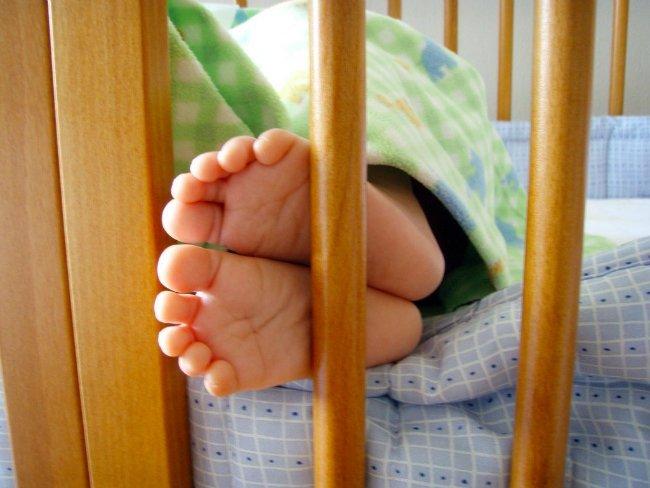 از همان دوران کودکی نشانه هایی دیده می شد که جف، از هوش بالایی برخوردار است. زمانی که تازه قادر به راه رفتن شده بود، با یک پیچگوشتی به سراغ گهواره خود رفت و محافظ آن را از جا در آورد و آن را تا حدی تبدیل به یک تخت خواب معمولی کرد.