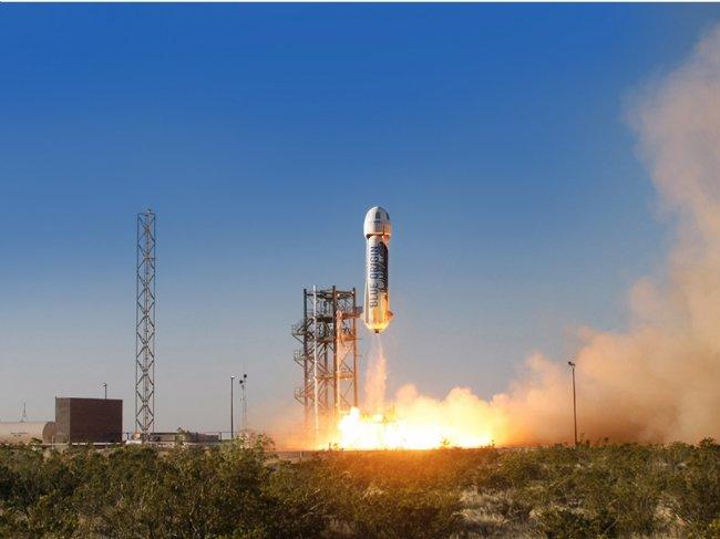 در مدرسه، جف به مدرسین خود می گفت: «آینده مردم در این سیاره (زمین) نیست.» حال تصور کنید زمانی این را به معلمین خود می گفت که صرفا یک نوجوان بود و می خواست تبدیل به یک کارآفرین در رسته فضایی شود. حالا، او شرکتی دارد به نام «Blue Origin» که همین چند وقت پیش موشک چند بار مصرف خود را با موفقیت آزمایش کرد.