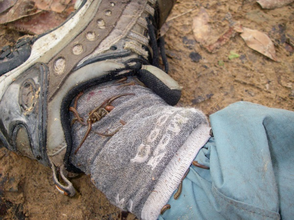 Hitch-hiking-leeches-in-Cambodia