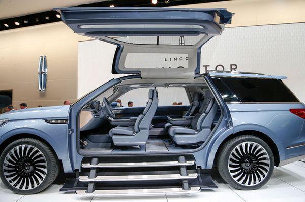 Lincoln-Navigator-concept-on-show-floor-gullwing-doors-open