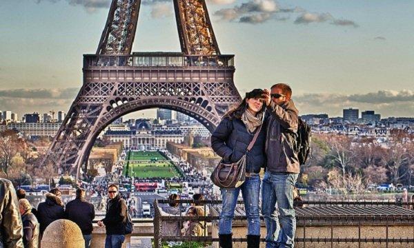 a-couple-in-paris