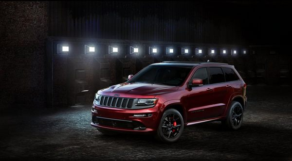 -and-srt-will-spice-up-the-grand-cherokee-with-a-475-horsepo