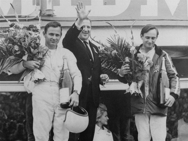 henry-ford-ii-got-his-revenge-the-gt40-won-le-mans-with-a-stunning-1-2-3-finish-ending-ferraris-dominance