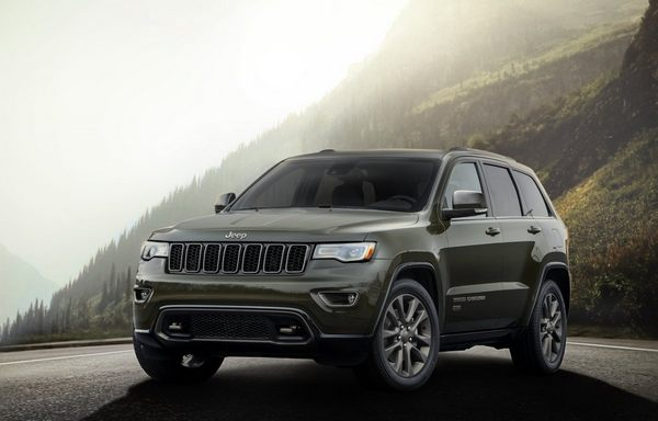 heres-the-grand-cherokee--its-bigger-and-more-luxurious-than