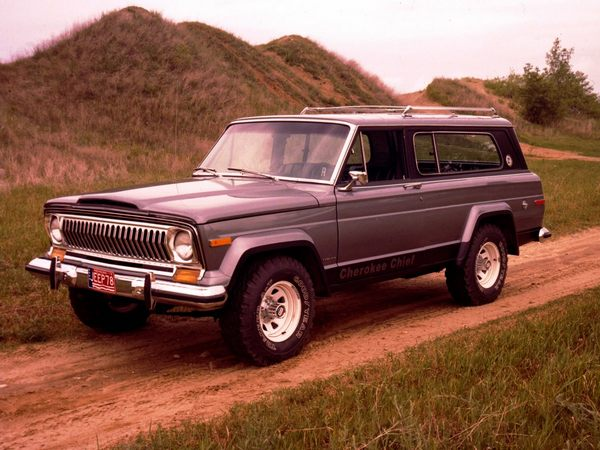this-is-an-original-jeep-cherokee-you-can-see-where-the-newe