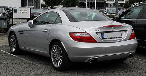 1280px-Mercedes-Benz_SLK_200_BlueEFFICIENCY_(R_172)_–_Heckansicht,_3._Juli_2011,_Essen