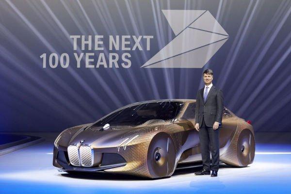 هرولد کروگر مدیرعامل این شرکت در نمایشگاه خودروی ژنو از طرح مفهومی Vision Next 100 پرده برداشت که نشان می دهد در صد سال آینده ماشین های تولیدی این شرکت چه شکل و شمایلی خواهند داشت.