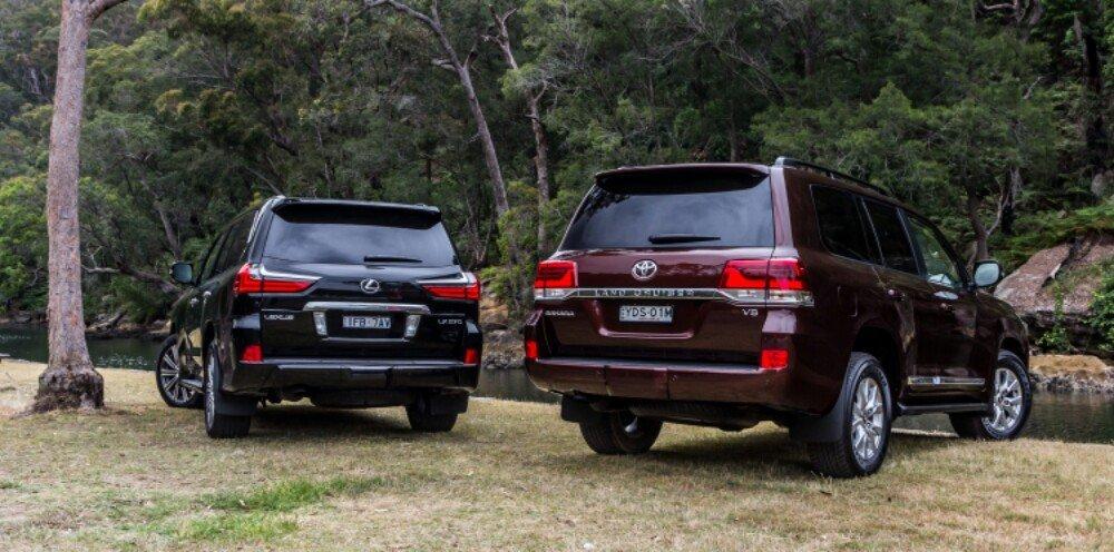 2016-Toyota-LandCruiser-200-Series-v-2016-Lexus-LX570-13-1000x496