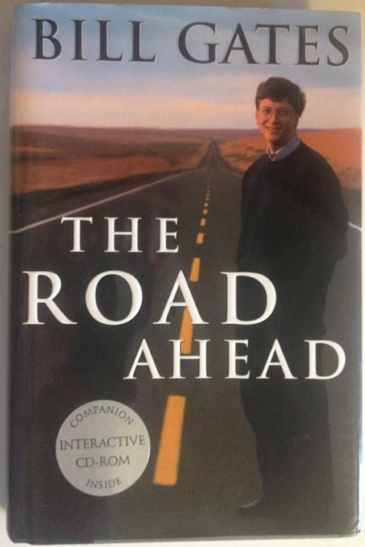 در سال ۱۹۹۵ و در کتاب خودش با عنوان «جاده پیش رو» (The Road Ahead)، گیتس یکی از جملات عجیبش را می نویسد. وی در کتاب یاد شده می گوید که اینترنت یک مقوله کاملا جدید است که در آینده تبدیل رشد یافته و از حالت کنونی اش برتری می یابد: «اینترنتِ امروز، آن بزرگراه اطلاعاتی که من تصور می کنم نیست، هر چند، شما می توانید به آن همچون آغاز یک بزرگراه فکر کنید.»