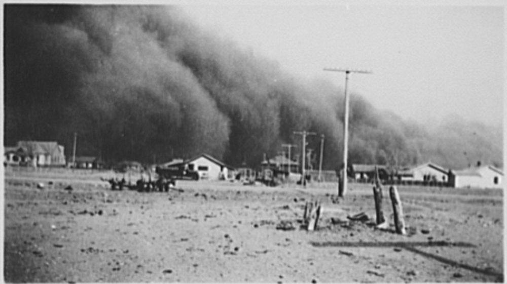 Dust Storm Baca County CO 1930s (credit D_L_ Kernodle, , LC-USF34-001615-ZE) Cropped