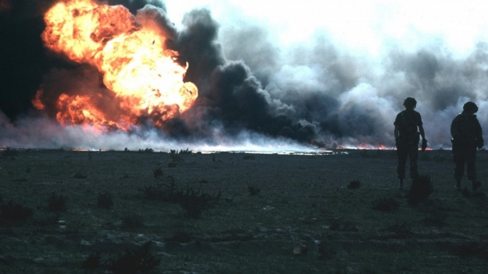 Kuwait_burn_oilfield-E