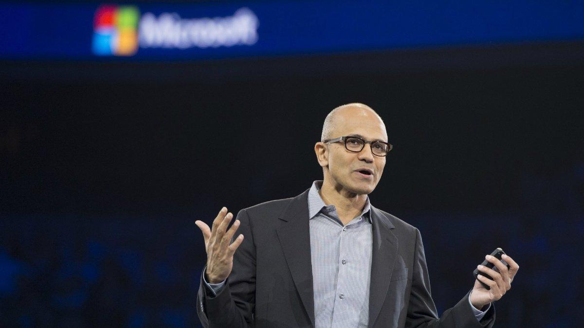 Microsoft-Nadella-e1427298577564-1940x1091-w1200