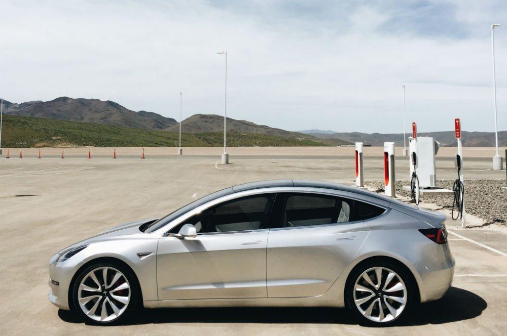 Tesla-Gigafactory-Model-3-front-end-w1000