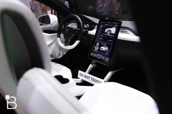 Tesla-Model-X-CES-2015-19-1280x853-w600