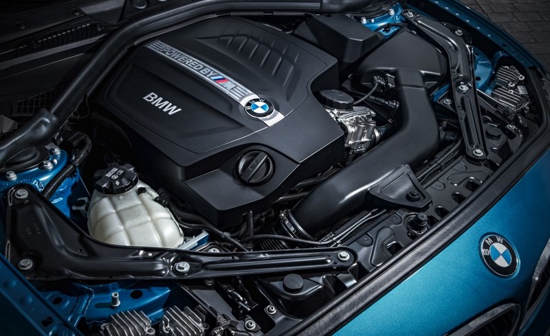 2016-BMW-M2-214-876x535