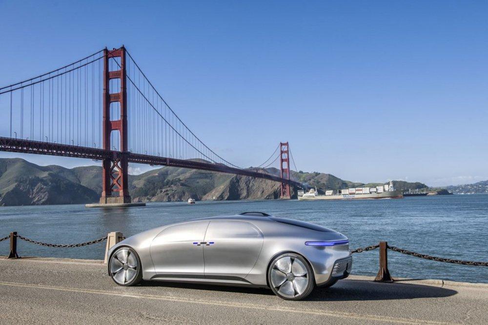 Mercedes-Benz-Intelligent-Drive-15C226_014-980x653