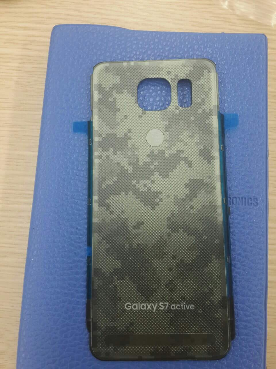 Samsung-Galaxy-S7-Active-leaked-photos (3)