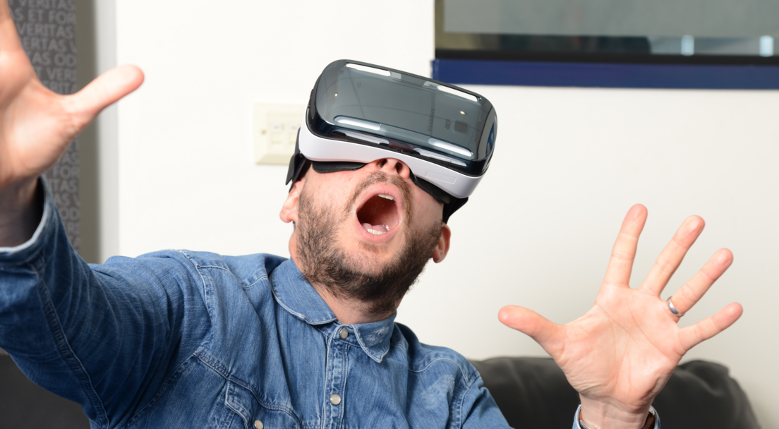 VR-Headset-Can-Cause-You-Motion-Sickness copy