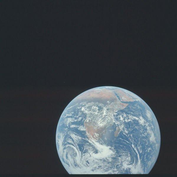 این عکس زیبا که به آفریقا مربوط می شود در جریان ماموریت آپولو 11 در دسامبر سال 1972 میلادی گرفته شده است.